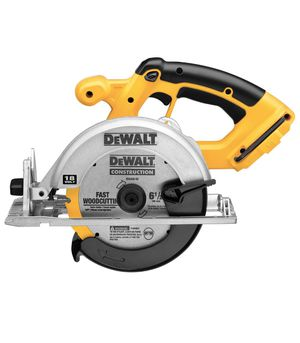 DEWALT DC390B 6-1/2-Inch 18-Volt Cordless Circular Saw (Tool Only) for Sale in Glen Allen, VA