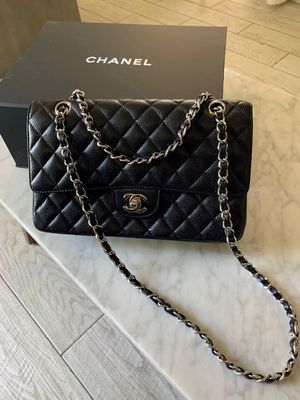 Chanel Classic Medium Double Flap Caviar bag for Sale in Pittsburgh, PA