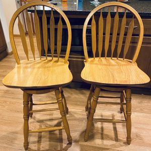 Solid Wood Vintage Bar Chairs Bar Stools for Sale in Renton, WA