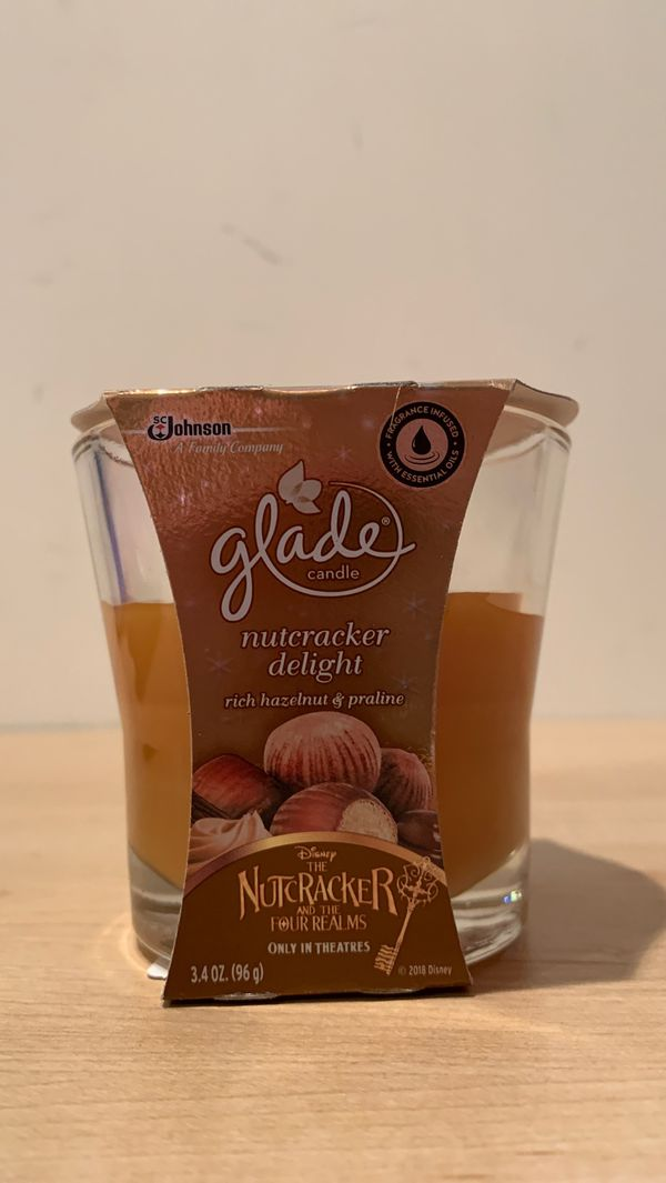 Glade candle: rich hazelnut & praline 3.4 oz