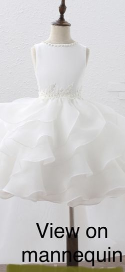 Flower Girl Dress white Size 7 w/detachable Train for Sale in Fort Lauderdale,  FL