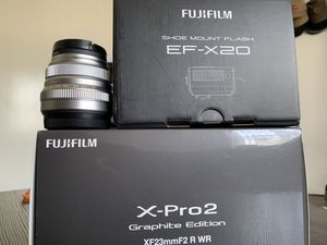 Fujifilm X-Pro2 graphite Edition w/ XF 23mm f2 lens, 35mm f2 lens, flash & peak strap for Sale in Los Angeles, CA