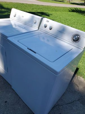 State washer and dryer set extra capacity for Sale in La Vergne, TN