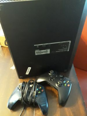 Xbox one with 2 controllers for Sale in Ruskin, FL