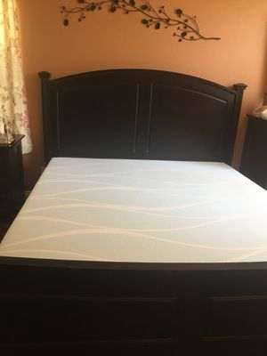 King size bed frame for Sale in Las Vegas, NV