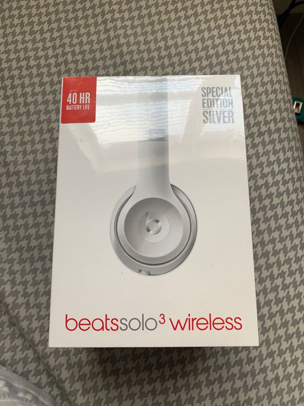 Beats solo 3 wireless never used still in plastic wrap!!