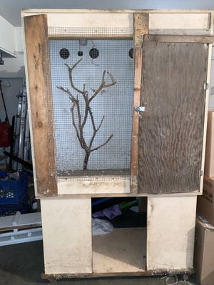 Free hand made bird cage for Sale in Palmdale, CA
