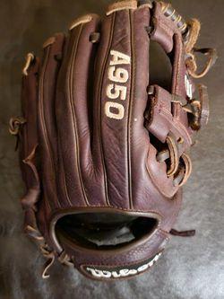 Baseball Glove for Sale in Naval Air Station Point Mugu,  CA