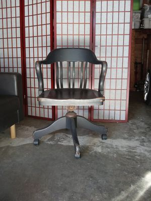 Antique office chair for Sale in Los Angeles, CA