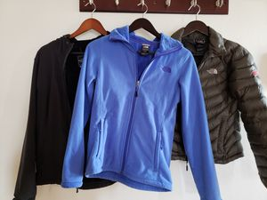 North face jackets for Sale in Edgewater, NJ