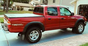 For sale 2003 Toyota Tacoma SR5Wheelsss-CleanTitle for Sale in Fort Wayne, IN