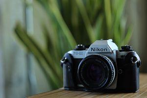 Nikon FG20 vintage film SLR and 50mm 1.8 lens for Sale in Los Angeles, CA
