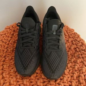 Nike Air Zoom Winflo - Womens Running Shoes for Sale in Chicago, IL