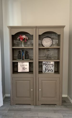Beautiful set of cabinet-bookshelves for Sale in Sun City, AZ