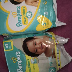 Diapers Size 5 for Sale in Haltom City, TX
