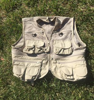 Fishing Vest by Cabelas Size XL for Sale in Fresno, CA