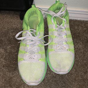 """Nike lunarlon neon green shoe size 9 (d) ....."""" for Sale in Sumner, WA"""