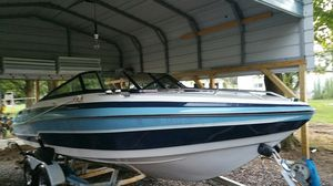 21-foot Vixen ski boat small cuddy cabin for Sale in Pittsburgh, PA