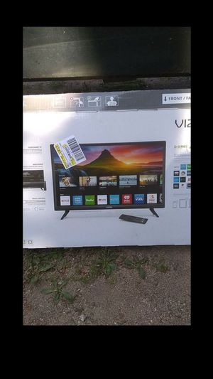 """24"""" Vizio smart TV with remote (won't take less than posted price) for Sale in Arvada, CO"""