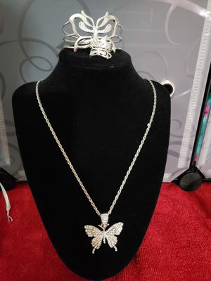 Beautiful butterfly set for Sale in Lincoln, NE