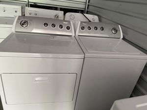 Whirlpool washer and dryer set for Sale in Tacoma, WA