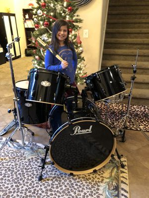 5-piece- Pearl Vision Drum Set- includes PDP heavy duty Bass Pedal, Cymbal Stand, High Hat stand. for Sale in AZ, US
