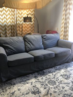 Grey 3 seater couch sofa for Sale in Fremont, CA