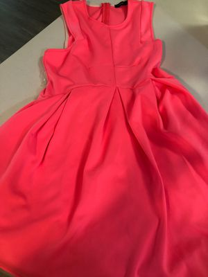 Hot pink dress for Sale in Atlanta, GA