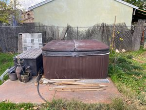 Jacuzzi Hot Tub for sale must go for Sale in Los Angeles, CA