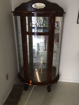 Curio cabinet for Sale in Evansville, IN