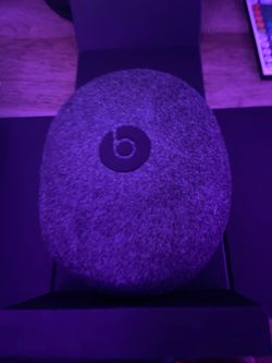 Like new: Beats solo pro for Sale in Tualatin,  OR