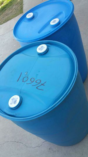 Mint condition 55 gallon heavy duty platostic drum Sealed top $18 each for Sale in Rosemead, CA