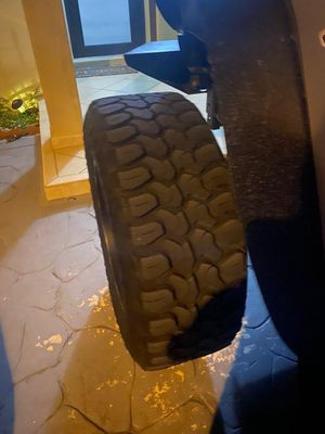 Off-road Wheels and tires for Jeep for Sale in Hialeah, FL
