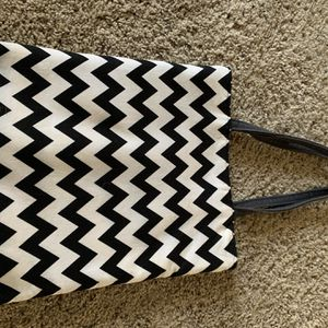 Chevron And Flower Bag Reversible for Sale in Cleveland, OH