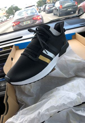 Adidas U- Path Run for Sale in Hialeah, FL