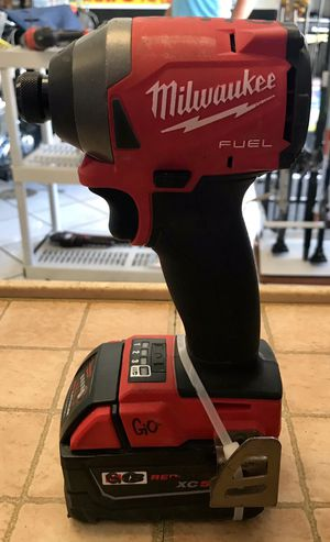 Milwaukee Impact Drill w/ 2 Batteries & Charger in Hard Case (PRESTO PAWN) for Sale in Lake Worth, FL
