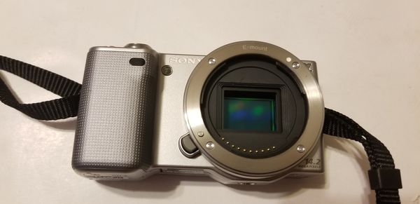 Sony NEX-5 Camera 14.2 mp with Lens SEL1855, 8Gb SD card, battery and LCD Charger