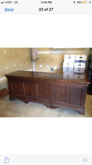 Beautiful 2 piece L shaped desk from Haverty's for Sale in Manassas, VA