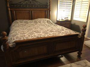 Cal King bedroom set for Sale in Corona, CA