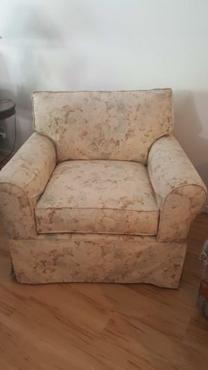Floral Sofa Chair for Sale in Las Vegas, NV