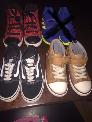 Boys size 11 and Vans r 12 for Sale in Lakeland, FL