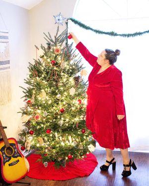 Plus Size Red Velvet Dress for Sale in Nashville, TN