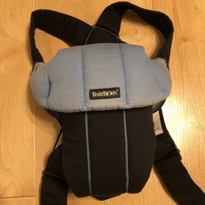 BabyBjorn baby carrier for Sale in Elmwood Park, IL