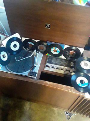 New vista Victoria record player for Sale in Tacoma, WA