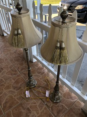 Floor lamps 4' tall. for Sale in Haines City, FL