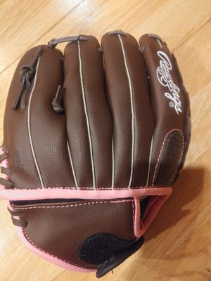 Rawlings softball glove for Sale in Lake Forest Park, WA