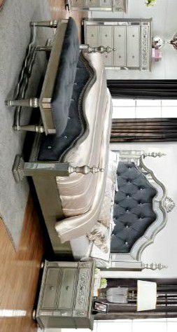 Best price /Sterling Silver Mirrored Queen Poster Bed 🚚SAME DAY DELIVERY for Sale in Houston, TX