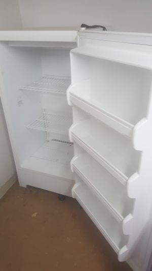 UP-RIGHT FREEZER for Sale in Ontario, CA
