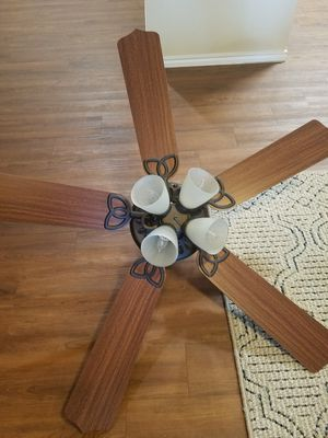 Ceiling fan for Sale in Arlington, TX