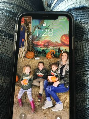 iPhone 11 for Sale in Aberdeen, WA